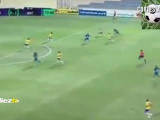 Mario Martínez anota un golazo en Egipto