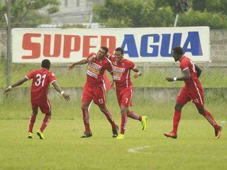 Real Sociedad derrotó 2- 1 al Marathón en Tocoa