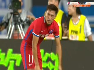 Futbolista chino Wu Qing desperdició una increíble ocasión de gol