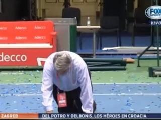 Periodista argentino cumplió promesa tras título de Copa Davis