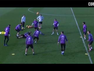 Vídeo Ramos va con todo al Clásico