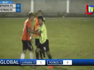 El zafarrancho en la Liga de Ascenso en Lepaera que casi termina en golpes a los árbitros