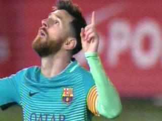 Minuto 50: ¡GOOOL DEL BARCELONA! Golazo de Lionel Messi para poner el 2-0 sobre el Eibar.