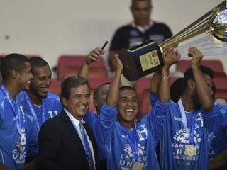 El vacile de la Copa Centroamericana con Pinto... ¡la quería levantar!