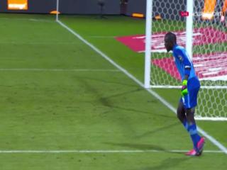 Portero de Senegal protagonizó la peor simulación de todas