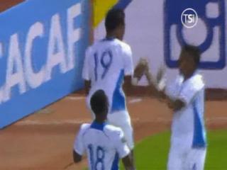 GOOOL DE HONDURAS! Al minuto 47 Douglas Martínez de cabeza le marca el 2-0 a Antigua