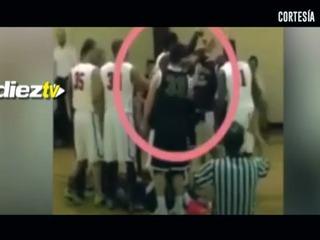 Salvaje pelea en un partido de baloncesto en Estados Unidos
