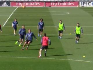 ¡De lujo! Ramos y Bale se inventan pared de taco en el entrenamiento del Real Madrid