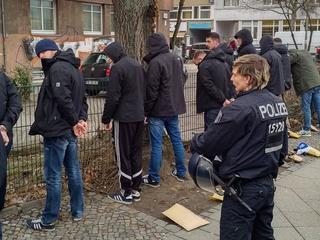 Brutal pelea en Berlín entre aficionados del Hertha y el Eintracht antes del partido