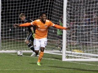 Romell Quioto marca dos goles y le regala una Copa al Houston Dynamo