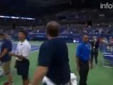 El loco baile de Djokovic junto con un fanático sacude las redes