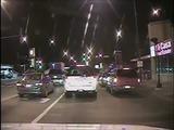 Revelan video que muestra a policía de Chicago disparándole 16 veces a un joven negro