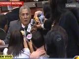 Diputado Esdras Amado López se palabrea con Nasralla