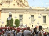 Papa se reúne con hijos de migrantes ahogados en el Mediterráneo