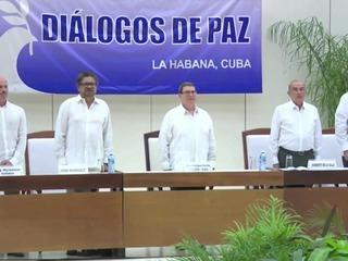 FARC y gobierno colombiano logran acuerdo final de paz