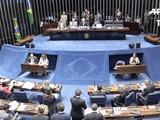 URGENTE: Senado brasileño abre juicio de destitución a Rousseff
