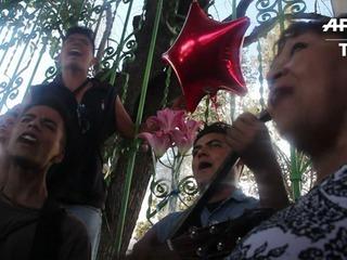 Mexicanos de luto por el cantautor Juan Gabriel