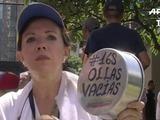 Con cacerolas exigen revocatorio contra Maduro en Venezuela