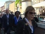 Papa Francisco recibe a familiares de atentado de Niza