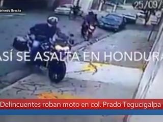 Delincuentes roban moto en col. Prado Tegucigalpa