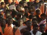 Empiezan a llegar a Italia migrantes rescatados en Mediterráneo