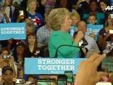 Clinton pasa su cumpleaños haciendo campaña en Florida