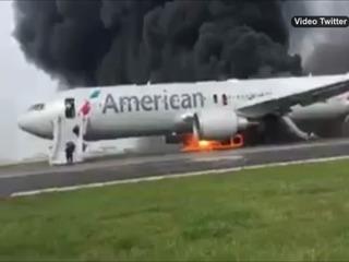 Se incendia avión a punto de despegar en aeropuerto de Chicago