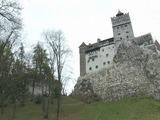 Dos turistas pasan noche de Halloween en el castillo de Drácula