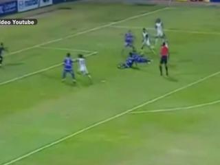 Árbitro mete gol en un partido en Egipto