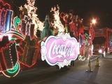 Carrozas navideñas de Coca Cola recorren Puerto Cortés