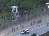 400 migrantes africanos fuerzan valla en Ceuta