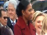Hillary cacha Bill cuando este observa Ivanka y Melania Trump