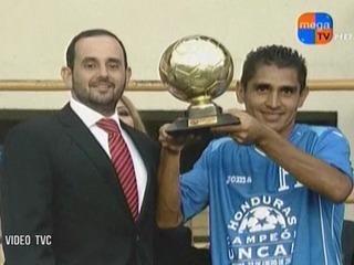 Eddie Hernández y Jorge Claros ganan los premios de la Copa Centroamericana
