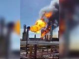 Fuerte explosión en refinería de Pemex en Oaxaca