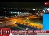 Apedrean gimnasio de Ana Joselina Fortín durante marcha de Indignados