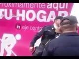 Policía mexicana agrede a anciano por oponerse a visita del Papa