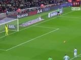 Sorpresa del argentino Leo Messi  al lanzar el tiro penal