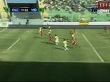 Carlo Costly anota el 1-0 ante el Vida en el Nacional