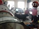 Banda del Inst. Jarimer sorprende sala de Redacción de EH