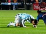 Messi choca con Oliver Morazán y queda resentido