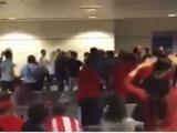 Aficionados del Real Madrid y Atlético pelean en aeropuerto