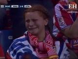 Aficionada del Atlético llora cuando le anotan el gol a su equipo