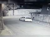 Ladrones se llevan tremendo susto al intentar robar un carro