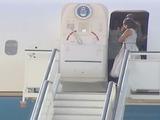 Viento le hace mala jugada a hija del presidente Obama