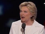 Hillary Clinton ofrece crecimiento y cuestiona a Trump