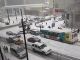 Tráfico loco en Canadá a causa de la nieve densa