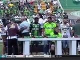 Sobrevivientes del Chapecoense reciben la Copa Sudamericana