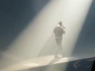 Drake le dedica emotivo mensaje a Rihanna en medio de su concierto