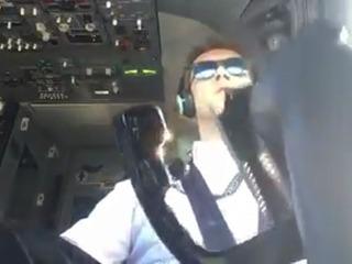Piloto muestra como aterrizó un Boeing con viento cruzado
